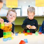 kinderen spelen in de kinderopvang